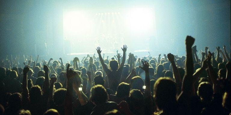 crowd-gig-1502381176